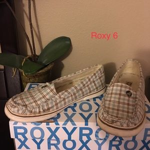 Checkered Roxy slides